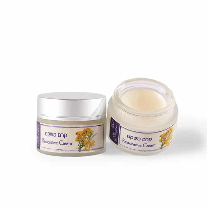 Natural moisturizer for dry skin cream by lavender cosmetics.