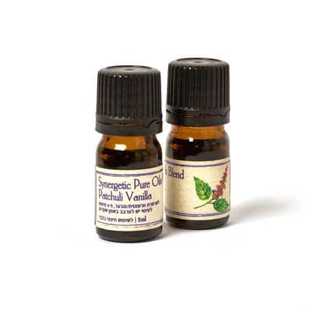 Patchouli Vanilla Oil Blend wiht a deep and sensual fragrance by lavender cosmetics.