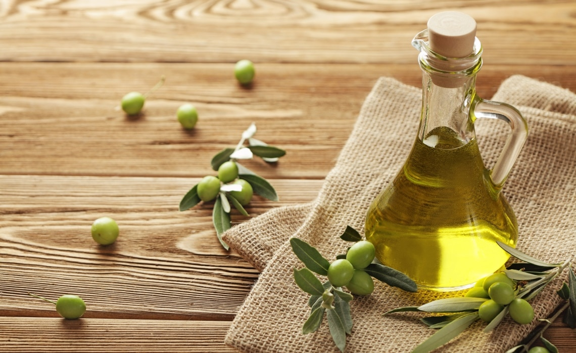 olive oil benefits for the skin - lavender natural cosmetics